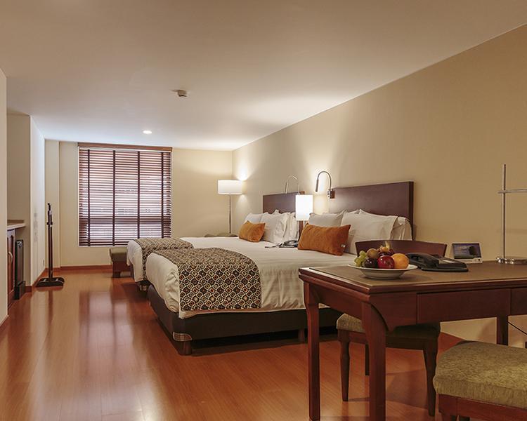 SUPERIOR ROOM ESTELAR Suites Jones Hotel