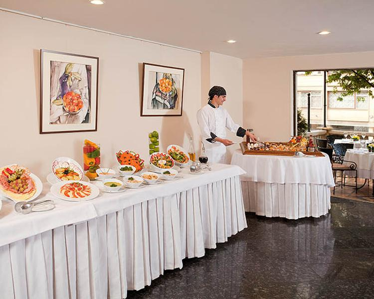 BUFFET ESTELAR Suites Jones Hotel Bogota