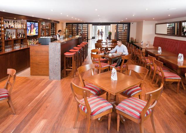 BAR GRANDVILLE ESTELAR Suites Jones Hotel Bogota